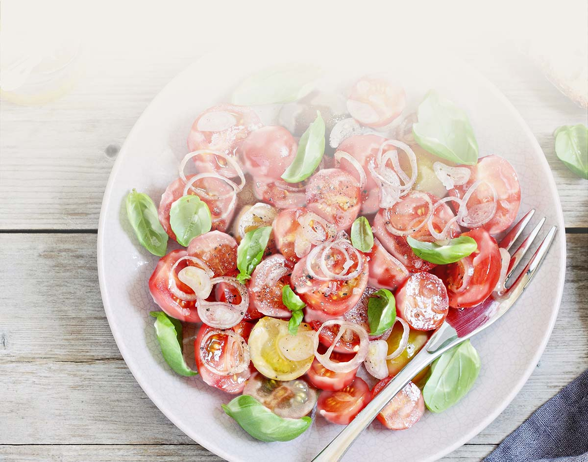 mixed salad with dressing